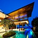 exotic-fish-house-design